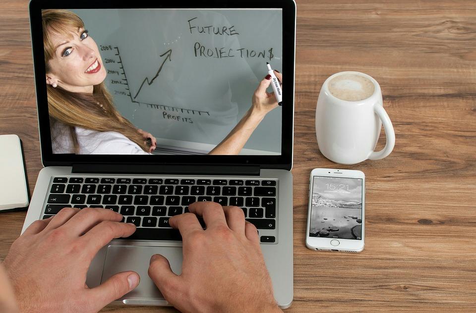 Можно ли заработать на онлайн-курсах