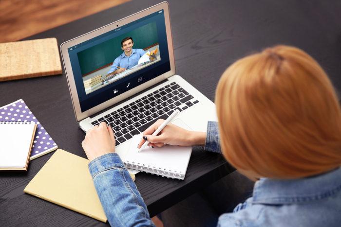 Как зарабатывать на онлайн курсах