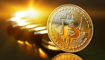 Что говорят эксперты о криптовалюте, биткойн беспокоит. Биткойн претендует на роль золота