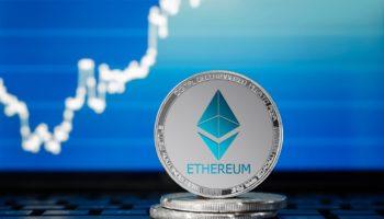 Криптовалюта Ethereum бьет новый рекорд. Dogecoin резко падает